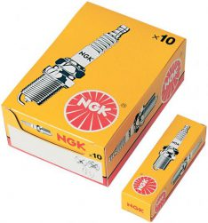 NGK Sparkplug BR8ES Aprilia RS 12-17 / SX 12-17